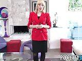 Vídeo grátis com loira pervertida soltando a sua buceta