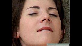 Ninfetinha da bucetinha peluda dando gostoso