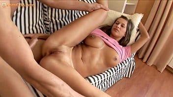 Sexo gostoso com menina safada fodendo demais