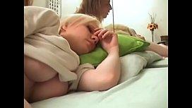 Abusando da irmã dormindo
