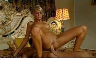 Loira cavala em vídeo porno