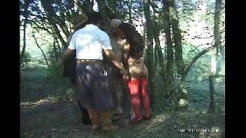 Porno troca de casais no meio do mato