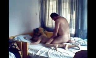 Gordo comedor arromba a buceta da casada que mora ao lado