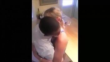 Corno filma a loirinha safadinha dando com vontade