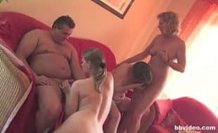 Mulheres safadas na orgia gostosa