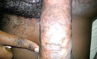 Negra tesuda fazendo sexo em casa