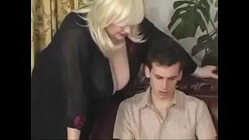 Novinho comeu a sua professor loira gordinha