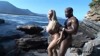 Cinthia santos porno na praia com gringo