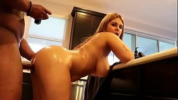 Crystina the booty queen fazendo boquete e dando a bucetinha pro sortudo