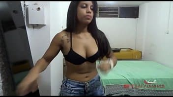Panteras xvideos moreninha safada na cama dando para o marmanjão tarado