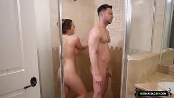 Xvideos banheiro comendo a prima debaixo do chuveiro