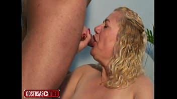 Xvideoscoroas sogra safada dando a buceta peluda para o cara foder gostoso