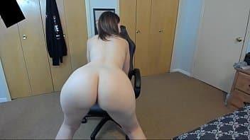 Retro porno branquinha rabuda pelada na webcam