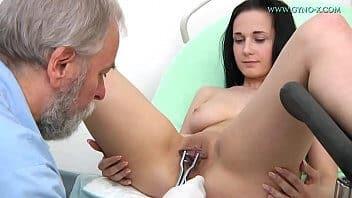 Filme eroticos ginecologista fode novinha
