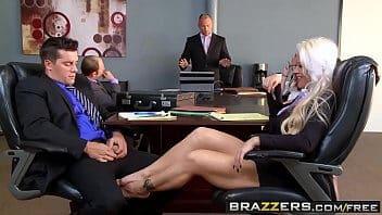 Porno bucetao secretaria peituda dando muito no escritorio