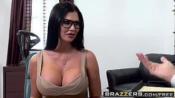 Sexo cenas secretaria peituda dando pro chefe