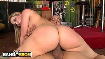 Video porno buceta esposa gostosa mamando e quicando de madrugada