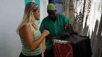 X videos brasileira Paty Bumbum pagando boquete pro motoboy