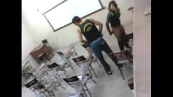 X videoz safada do cursinho dando a buceta na sala de aula