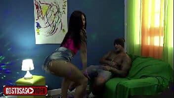 Xvideos puta funkeira Julia Mattos senta no pau na resenha