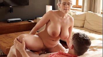 Video sexo incesto milf peituda fodendo com enteado