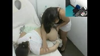 Massagem lesbicas com duas gostosas espetaculares