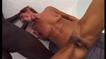 Videos pornos de coroas tomando vara no banheiro