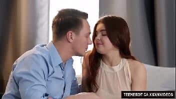 Mulher gostosa porno bebendo leitinho do marido