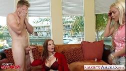Sexo entre duas mulheres e um homem amigas dividindo o mesmo macho